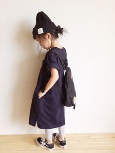 Smoothyのニットキャップ・ビーニー「Smoothy Color knit cap / スムージー カラーニットキャップ 」を使ったmiyuuu.のコーディネートです。WEARはモデル・俳優・ショップスタッフなどの着こなしをチェックできるファッションコーディネートサイトです。 Little Girl Fashion, Toddler Fashion, Toddler Outfits, Kids Fashion, Baby Kids Wear, Kids Suits, Kid Styles, Child Models, Kids Girls