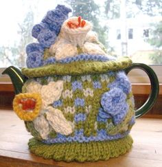 "LeTissier Designs--Lynette Meek--""Daffodils and Bluebells all in Row"" Tea Cozy"