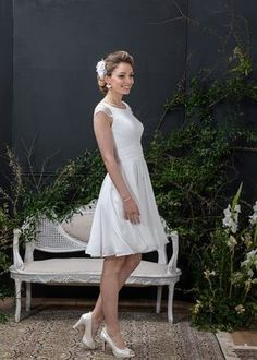 Modelos que enamoran.    #CasamientosAr #Organizaciondecasamientos #Casamiento #Boda #Novias #TipsNupciales #CaminoAlAltar #LookNupcial #LookDeNovia #VestidoDeNovia #VestidoDeNoviaCorto #VestidoDeNoviaParacivil   #VestidoRomantico White Dress, Dresses, Fashion, Models, Short Wedding Dresses, Romantic Dresses, Mariage, Brides, Elegant