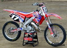 Jay Clark Honda CR125. You want me to test drive that?? My answer is YES!  #Honda #dirtbike #cr125 #sweetness