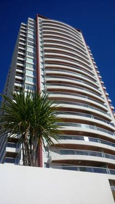 Icon Brava Tower Punta del Este Punta del Este Located in Punta del Este, this apartment features a balcony and a garden. This apartment offers a year-round outdoor pool and free WiFi. Free private parking is available on site.  There is a seating area and a kitchen. A flat-screen TV is featured.