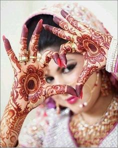 Mehndi Designs will blow up your mind. We show you the latest Bridal, Arabic, Indian Mehandi designs and Henna designs. Indian Bridal Photos, Indian Wedding Poses, Indian Wedding Couple Photography, Bride Photography, Photography Editing, New Orleans Saints, Wedding Mehndi Designs, Henna Designs, Bride Poses