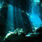 La palabra cenote se deriva detsonotque en el lenguaje maya significa:Caverna de agua. Se pueden encontrar en la península de Yucatán donde se calcula que existen más de 2400 formaciones. Los cenotes son lugares naturales pasajeros que cambian lentamente con el tiempo, se forman por inundaciones de agua de lluvia en cavernas subterráneas de piedra …