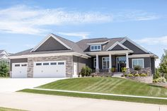 House Siding, House Paint Exterior, Dream House Exterior, Exterior House Colors, Outside House Colors, Rustic Houses Exterior, Ranch Remodel, Craftsman Style House Plans, Ranch Style Homes