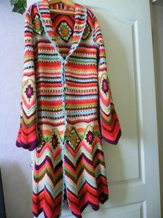 crochelinhasagulhas: Casaco colorido de crochê