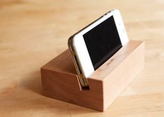 iPhone Stand / iPhone Docking Station / iPhone 4 4S by solidmfgco