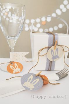 The bunnies on these FREE printables couldn't be any cuter. Use them to adorn just about everything, from snack bags to napkin holders to party cups. You can click through to print them