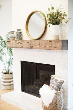 Beautiful modern farmhouse fireplace with chunky rustic wood beam mantel! Wood f… – Farmhouse Fireplace Mantels Wood Fireplace Mantel, Farmhouse Fireplace, Home Fireplace, Fireplace Remodel, Fireplace Design, Modern Fireplace Decor, Reclaimed Wood Mantle, Fireplace Ideas, Rustic Wood