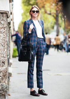 Balance out a bold plaid suit with a structured bag and oxfords. // #OutfitIdeas