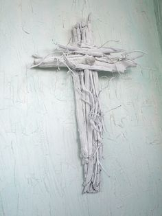 pictures of driftwood crosses | The Way of the Cross Leads Home a renewal of a Driftwood Cross