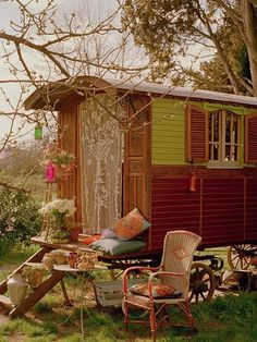 Gypsy wagons provide a haven for Robin in Creek & their life on the lam in Italy