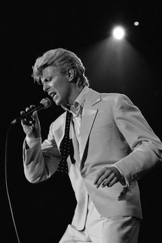 http://www.gq-magazine.co.uk/article/david-bowie-dead-life-in-pictures