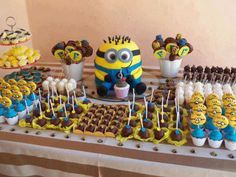 @Susan Caron Saylor , do you think you could do a minion cake like this? (the cake not the cupcakes)