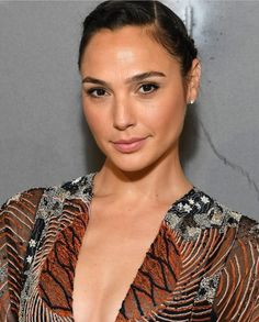 Welcome to the community dedicated to all things for Israeli actress and model Gal Gadot. Gal Gadot, Hollywood Actresses, Actors & Actresses, Star Pictures, Love Stars, Beautiful Women, Wonder Woman, Celebs, Model