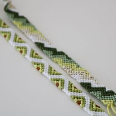 Thread Bracelets, Embroidery Bracelets, Woven Bracelets, String Bracelets, String Bracelet Patterns, Diy Friendship Bracelets Patterns, Bracelet Tutorial, Macrame Tutorial, Summer Bracelets