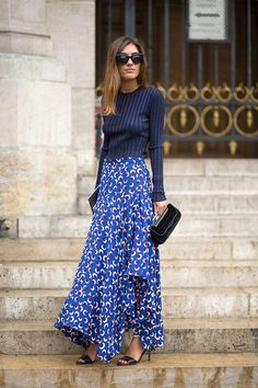 Paris Street Style Spring 2015 - Best Street Style Paris Fashion Week - Harper's BAZAAR Blue pullover paired with a blue & white maxi skirt Net Fashion, Look Fashion, Paris Fashion, Trendy Fashion, Fall Fashion, Latest Fashion, Fashion Clothes, Womens Fashion, Women's Clothes