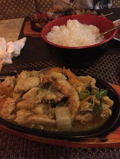 Wok de poulet Restaurant la chaumière à Djibouti  http://lesgoutsetlescouleursdelaurence.over-blog.com