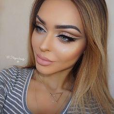 WEBSTA @ fraya.beauty - Brows: @anastasiabeverlyhills Dipbrow in Blond   @stilacosmetics StayAllDay markers in medium and dark Eyes: @makeupgeekcosmetics ( Mocha, Preppy, Desert sands on the crease