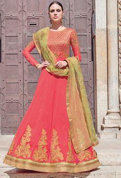 Looking to buy Anarkali online? ✓ Buy the latest designer Anarkali suits at Lashkaraa, with a variety of long Anarkali suits, party wear & Anarkali dresses! Robe Anarkali, Costumes Anarkali, Pakistani Salwar Kameez, Salwar Kameez Online, Anarkali Suits, Churidar, Indian Anarkali, Pakistani Suits, Pakistani Dresses