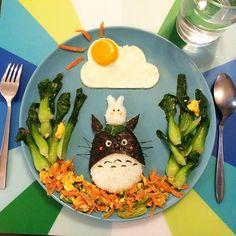 Dans la lignée des créations culinaires deEatzybitzy (Eatzybitzy part I / Eatzybitzy part II) ou encore les excellentsBento Monsters, c'est au tour d'Anne
