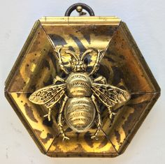 """Gilt Striped Frame with Grande Bee (3"""" wide)"""