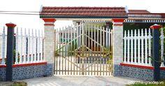 Các mẫu hàng rào trụ tháp dành cho biệt thự có kích thước các cây cột rào đồng nhất, cân đối