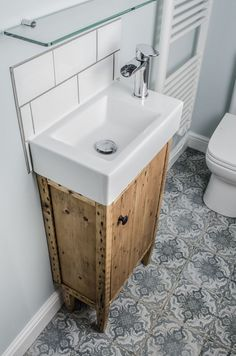 Purchasing a small vanity can be a great way to conserve space and make a bathroom feel less cramped and … Toilet Vanity Unit, Small Vanity Unit, Bathroom Sink Units, Bathroom Vanity Designs, Small Bathroom Vanities, Diy Bathroom Decor, Vanity Units, Bathroom Interior Design, Bathroom Green