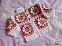 New Crochet Poncho Toddler Granny Square - Diy Crafts - Marecipe Crochet Girls, Crochet For Kids, Crochet Baby, Knit Crochet, Granny Square, Some Body, Baby Sweaters, Kind Mode, Baby Knitting