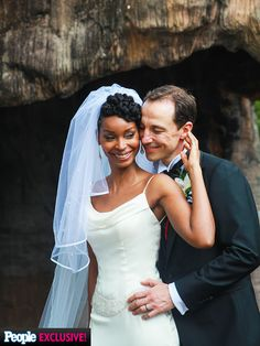 Survivor's J'Tia Taylor Is Married – See Her Wedding Photos http://www.people.com/article/survivor-jtia-taylor-wedding-photos