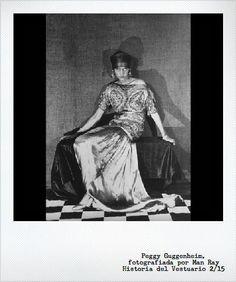 Peggy Guggenheim, a quien Man Ray fotografió con uno los vestidos de Paul  Poiret.