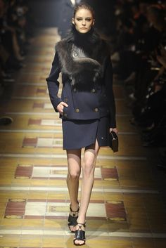 Lanvin RTW Fall 2014 - Slideshow - Runway, Fashion Week, Fashion Shows, Reviews and Fashion Images - WWD.com