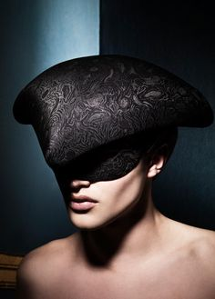 Hat by Philip Treacy for Alexander McQueen.  Photograph by Philippe Kerlo.