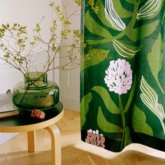 Marimekko's Spring 2020 home collection features three new floral prints Kasivio, Apilainen and Palsta by designer Lotta Maija, who drew her inspiration from the flowers and plants growing around a Finnish summer cottage. Paper Wallpaper, Wall Wallpaper, Funky Fruit, Marimekko Fabric, Scandinavia Design, Kitchen Fabric, Green Vase, Scandinavian Living, Green Fabric