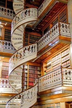 Law Library spiral staircase - Des Moines, Iowa via Cynthia Vanessa on 500px.
