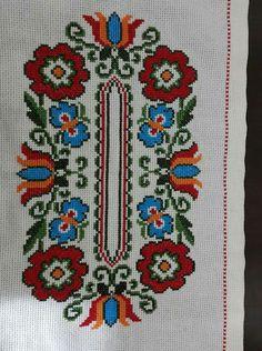 Folk Embroidery, Embroidery Patterns Free, Cross Stitch Patterns, Embroidery Designs, Christmas Cross, Cross Stitching, Needlepoint, Needlework, Bohemian Rug