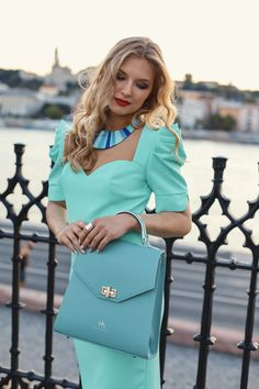 #orovicafashion #annahodlikbag #summervibes Summer Events, Hermes Kelly, Timeless Fashion, Summer Vibes, Shoulder Bag, Womens Fashion, Design, Style, Swag