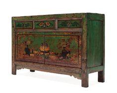 Antico mobile cinese con fronte elegantemente decorato proveniente dal Gansu, fine '800. € 2200,00