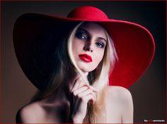 Chapéu vermelho.