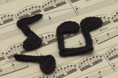 10 Free Crochet Patterns Inspired by Music: Crochet Music Note Applique Free Patterns Filet Crochet Charts, Crochet Gratis, Knitting Charts, Free Crochet, Knit Crochet, Crochet Music, Thread Crochet, Applique Patterns, Crochet Patterns
