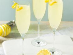 French 75 – recept på god champagnedrink | Allt om Vin French 75, Cocktails, Drinks, Bellini, Flute, Champagne, Food And Drink, Tableware, September