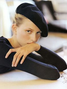 Get Short Hair Without A Haircut : French Beret Parisienne Chic, Estilo Fashion, Diy Fashion, Beret Outfit, French Hat, Foto Instagram, Wide-brim Hat, Mode Style, 90s Fashion
