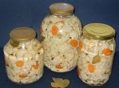 Merge de minune langa o friptura sau tocanita. Canning Pickles, Hungarian Recipes, Romanian Recipes, Romanian Food, Home Food, Pastry Cake, Preserving Food, Canning Recipes, Sweet Life