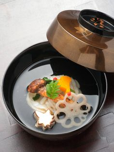 Clear Dashi Soup with Fish and Matsutake Pine Mushroom|松茸入りの御椀