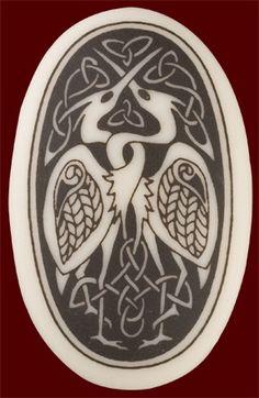 celtic love birds- this would make a cool tattoo Celtic Tree, Irish Celtic, Celtic Patterns, Celtic Designs, Irish Mythical Creatures, Celtic Symbols, Celtic Knots, Inspiration Art, Celtic Culture