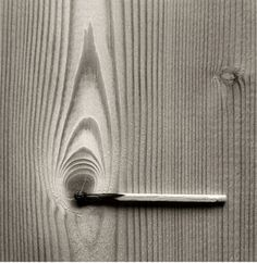 Chema Madoz creates unexpected optical illusions, cleverly pairing objects that don't normally go together for an amusing effect. With Madoz, black and Surrealism Photography, Conceptual Photography, Creative Photography, Amazing Photography, Art Photography, Pattern Photography, Illusion Fotografie, Forced Perspective Photography, Illusion Photography