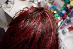 Love the mix of red with the dark brown hair!