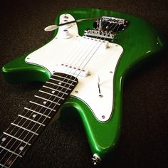 DiPinto Guitars Galaxie 2 in Metallic Green
