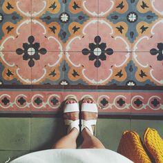 tiles Patterns Beautiful Mexican tiles in Merida, Mexico Tile Patterns, Pattern Art, Pattern Design, Tropical Decor, Mosaic Tiles, Tiling, Wall Tiles, Tile Design, Surface Design
