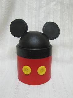 Souvenirs para cumpleaños infantiles de nenes y nenas, pueden encargarse en diferentes colores y motivos de acuerdo al gusto del agasaj... Minnie Mouse Rosa, Fiesta Mickey Mouse, Mickey Mouse Birthday, Circo Do Mickey, Belem, Disney Christmas, Baby Boy, Baby Shower, Bows