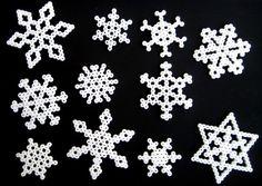 Snowflakes hama perler beads by Por cuatro cuartos